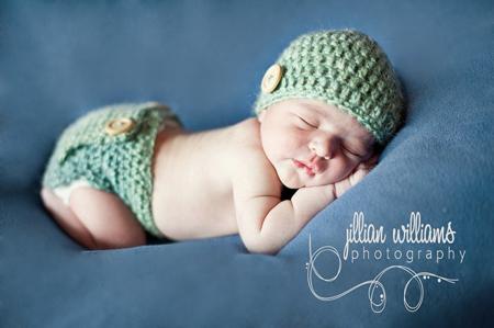 Bonnet et culotte bébé au crochet